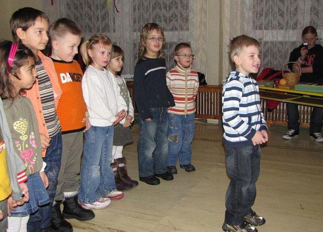 Svojšínské děti měly besídku