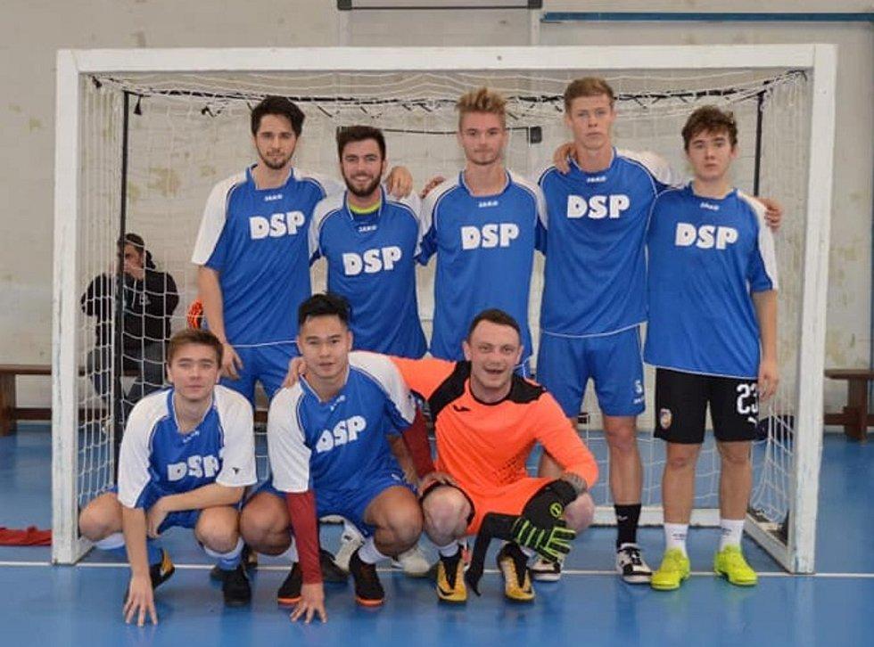 Vítězný tým prvního ročník turnaje Golden Cup v Holýšově Bílkova tvrz.