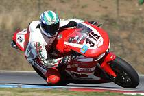 Eduard Havíř z týmu Silverracing na svém stroji Ducati při okruhovém závodu.