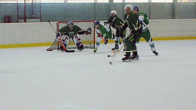 """Lední hokej: Stříbrská """"nulašestka"""" porazila Kamenici a je šestá, Bezdružičtí třetí"""