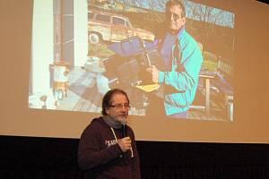 Natáčení podvodního světa 3D, ale jinak, než dosavadní systémy imax. Steve Lichtag (na snímku) chce, aby v každém jeho filmu byl příběh. Proto pořídil podstatně menší systémy umožňující natáčení 3D technologií a na PAFu vyprávěl o Aldabře.