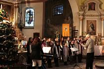 Lidé si přišli do kostela zazpívat i poslechnout dětský sbor