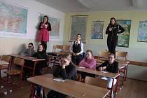 Studenti tachovského gymnázia přichystali Soutěžní den pro zájemce o studium.