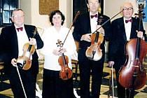 Tachovské kvarteto Allegro (na snímku) přispívá svými koncerty k pravé vánoční atmosféře.