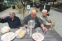 Pamětníci dolování ve Stříbře se sešli u vzpomínek.
