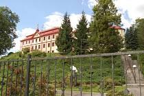 Bezdružický zámek