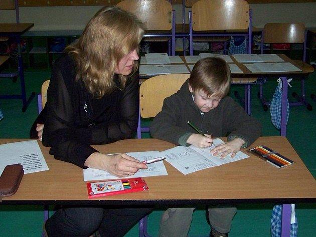 Zápis do prvních tříd v Základní škole v Přimdě.