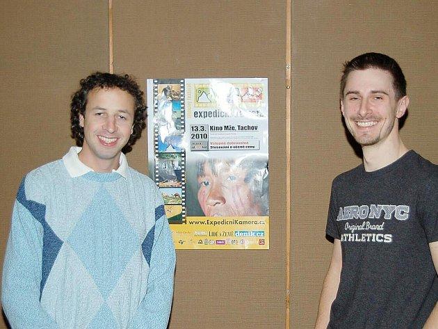 Festivalem provázel diváky Robert Dvořák (vlevo). O to, že se festival konal v Tachově, se zasloužil Jan Mařík (vpravo)