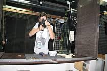 Střelnice rychta připravila pro veřejnost předváděcí akci během níž si návštěvníci mohli prohlédnout a vyzkoušet různé druhy zbraní.