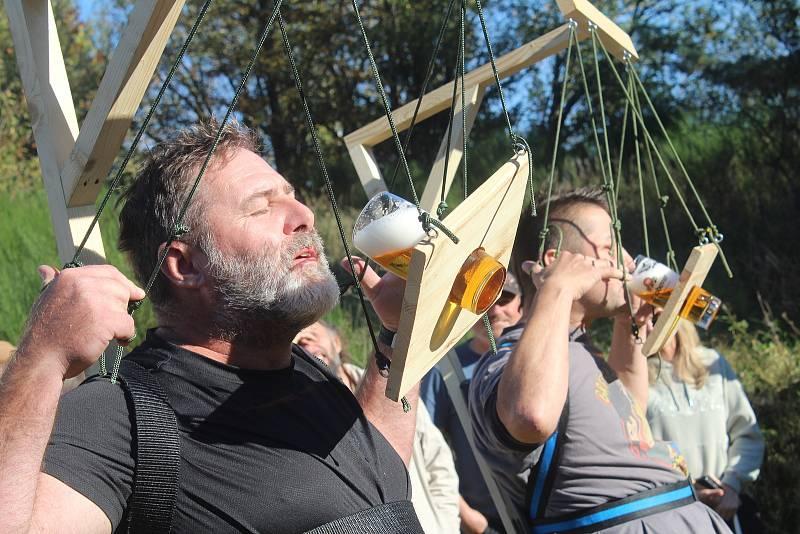 Konec sezony už tradičně slaví tachovští potápěči setkáním se soutěžemi na základně u pavlovického lomu.