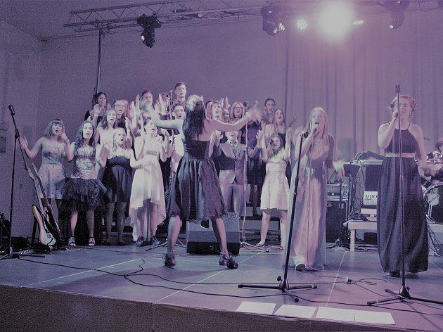 Příznivci a členové Fusion klubu Tachov tančili na plese
