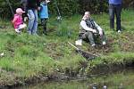 Návesný rybník obsadili závodící rybáři
