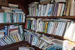 Osadníci si v Hostíčkově postavili hospodu i knihovnu