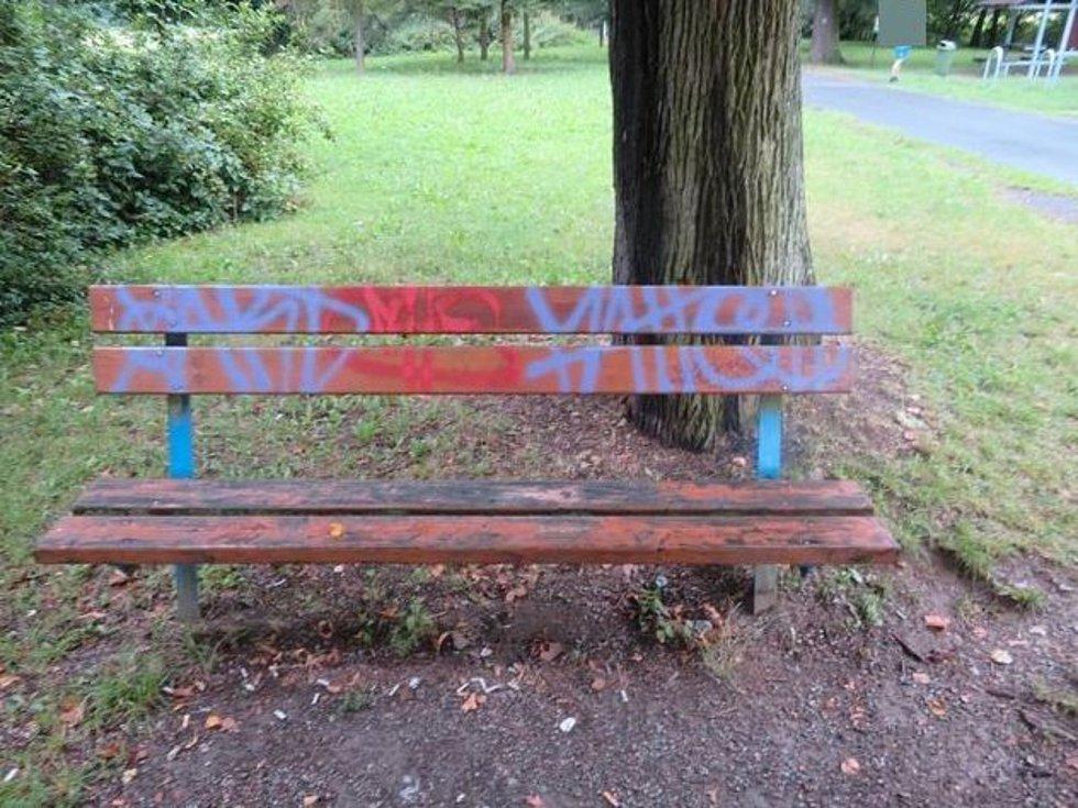 Pavilon Minerálky se stal terčem vandalů.