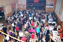 Dobrovolní hasiči z Chodové Plané uspořádali o víkendu tradiční ples.