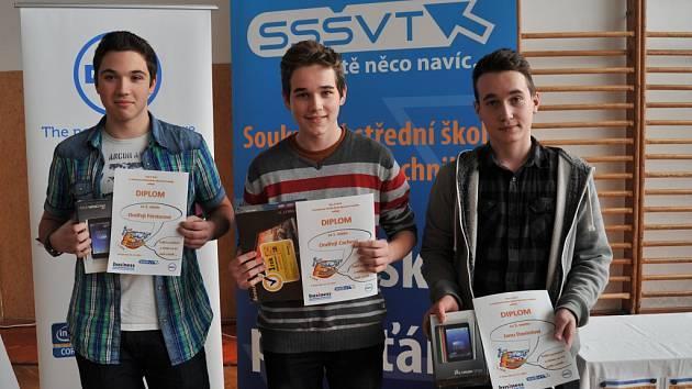 Nejlepší v 5. ročníku soutěže IT-SLOT. Zleva: Ondřej Förster, Ondřej Cach a Jan Daniel.