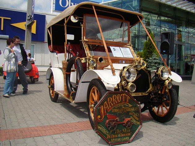Krásné staré stroje se představí také u OC Olympia.