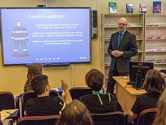 Vzdělávací projekt Hasiči pro školy odstartoval v ZŠ E. Krásnohorské v Ústí nad Labem.