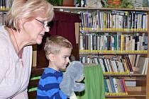 Čtení pro děti v trmické knihovně.