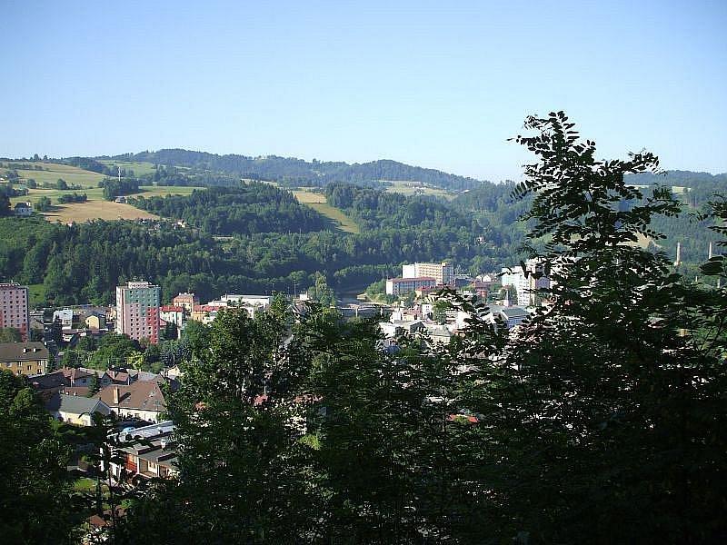 VRCH ŠIBEŇÁK je dnes oblíbeným výletním místem, které už jeho návštěvníky neděsí.