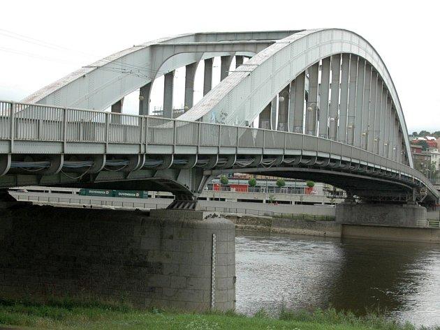 Most Dr. Edvarda Beneše.