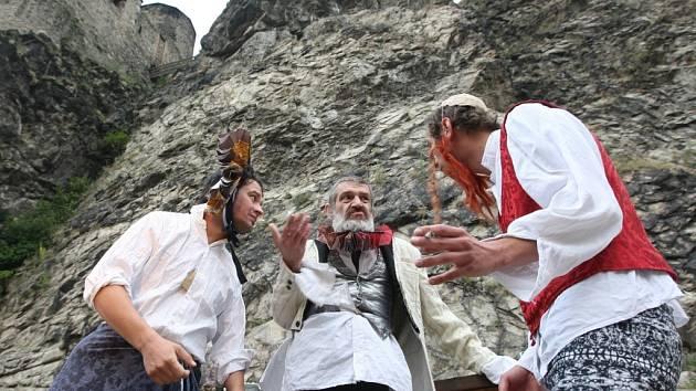 Novinka spolku Činoherák Ústí, komedie Dva páni z Verony.