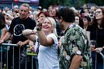 Nadšení fanoušci skupiny Lucie se  v Pardubicích bavili a uživali si koncert nazvaný Dotkni se Lucie, který se koná na místech pro kapelu Lucii netradiční a zároveň na nichž kapela ještě nehrála.