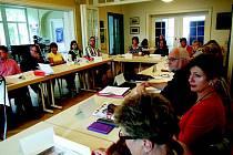 Školy se zapojují do rozhovorů s pamětníky