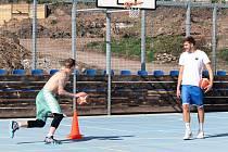 Basketbalisté se po karanténě vrátili k tréninku. Z haly ale museli ven.