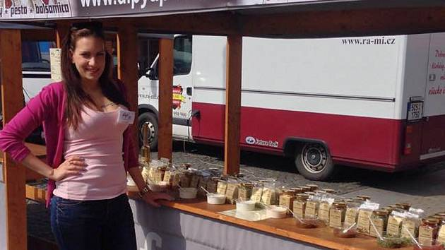 DIPY A PESTA jsou k dostání na farmářských trzích u obchodního centra Forum v Ústí nad Labem.