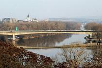 Most za více než jeden a půl miliardy byl otevřen včera v Litoměřicích.