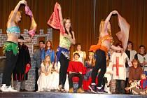 Divadelní představení O princezně Kateřině secvičovali žáci základní školy SNP od října.