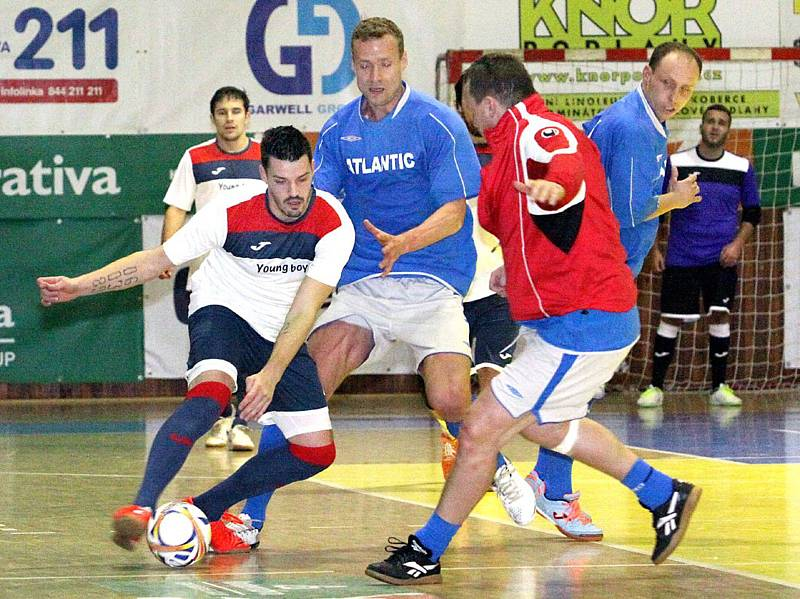 Jiří Jarošík (v modrém) na turnaji na Slunetě.