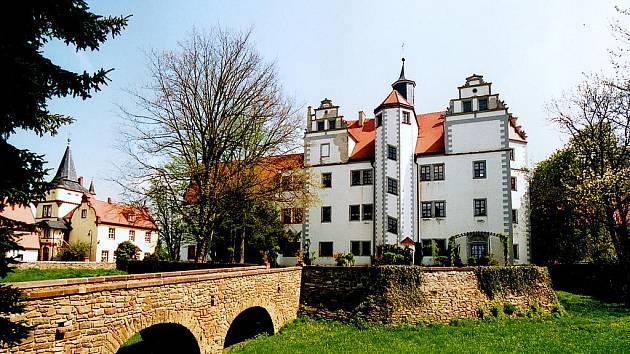 Překrásný zámek, původně vodní hrad, se nachází nedaleko saského města Colditz.