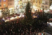Vánoční trhy letos budou na Lidickém náměstí, ne na Mírovém, jak v minulých letech bývalo obvyklé.