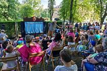 Sváťovo dividlo pobavilo na Větruši desítky dětí.