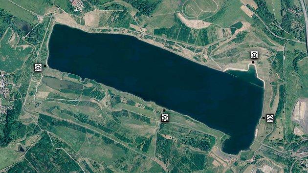 Plánek umístění cykloboxů kolem jezera Milada.