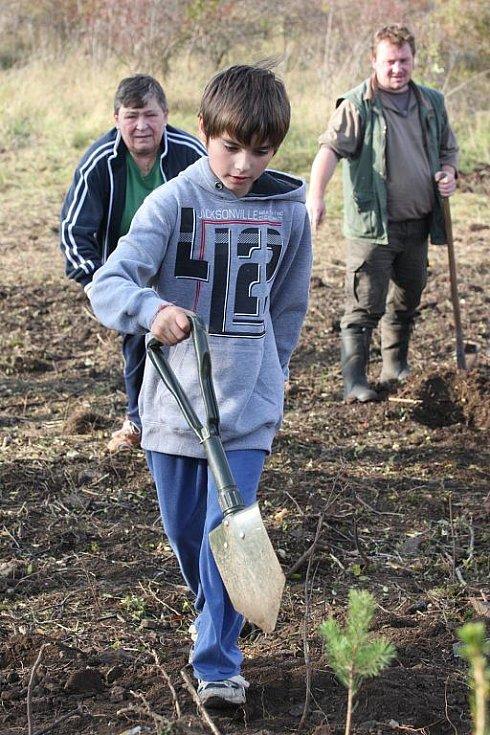 Do pokusu o rekord se zapojili lidé také v Radonicích na Chomutovsku.