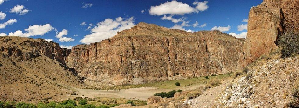 Kaňon u Jeskyně malovaných rukou v Patagonii.