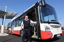 Dopravní podnik dostal prvních deset nových autobusů Iveco, které se brzy objeví v ústeckých ulicích. Pohání je stlačený zemní plyn.