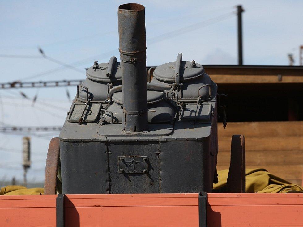 Legiovlak dorazil na nádraží Ústí n. L. - Západ.