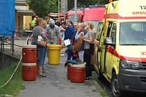 U zdravotního střediska v Neštěmicích cvičí záchranáři.