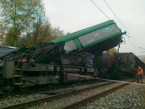 Nehoda dvou nákladních vlaků mezi stanicemi Úpořiny - Řehlovice.