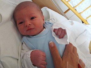 Martínek Herzina se narodil Janě Štrachové z Ústí nad Labem 3.května ve 22.16 hod. v ústecké porodnici. Měřil 50 cm a vážil 3,41 kg