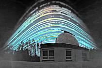 Fotografická technika solarografie dokáže zachytit putování Slunce oblohou během dlouhých expozicí trvajících i půl roku