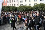 V Ústí demonstrovala přibližně tisícovka lidí.