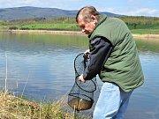 Zatopený důl Petri nabídne rybářský ráj.