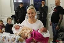 Štěpánka a Mariana Škrétovy se narodily Barboře Škrétové z Chabařovic 25. listopadu ve 3.29 a 3.32 hodin v Ústí nad Labem. Měřily 49 a 51 cm, vážily 2,66 a 2,95 kg