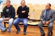 Obžalobu z krádeží zemních strojů sice již zahájil okresní soud v Chomutově, nově je ale případ projednáván u ústeckého krajského soudu.