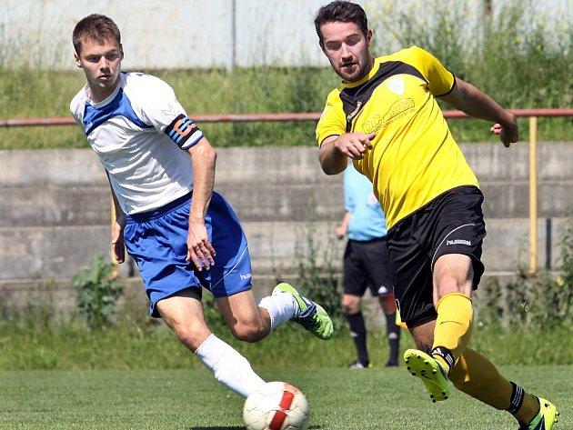 Jednou z největších opor fotbalistů Trmic v letošní sezoně byl kapitán Pavel Šalda (vlevo).
